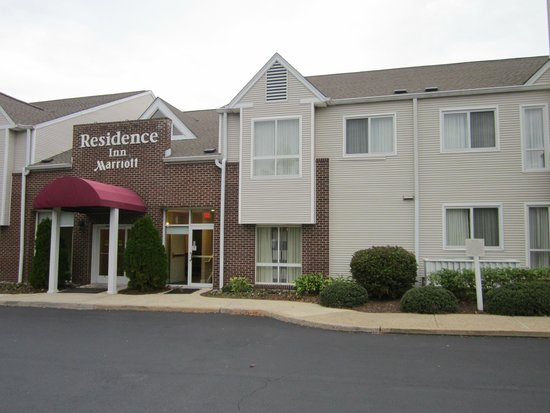 Residence Inn Philadelphia Willow Grove: Main entrance to Gatehouse