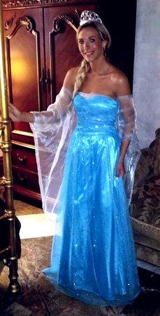 Henderson Castle Inn: Princess Breana in her wedding dress