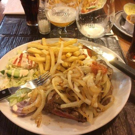 El Rancho : Steak (Medium Rare) and Onions :)