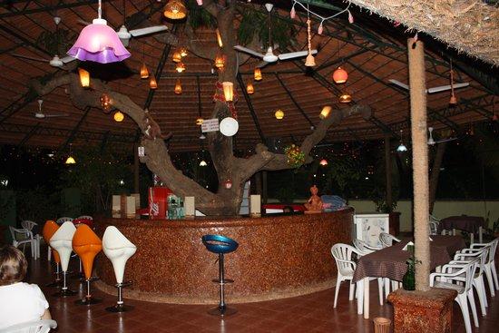 Cary's Hotel: Bar