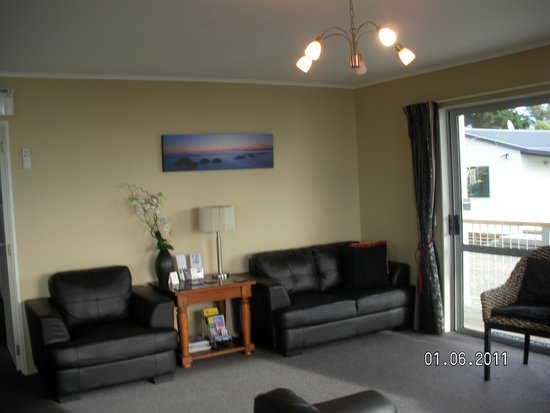 Moeraki Haven Motel: Lounge Area - 3 Bedroom Home