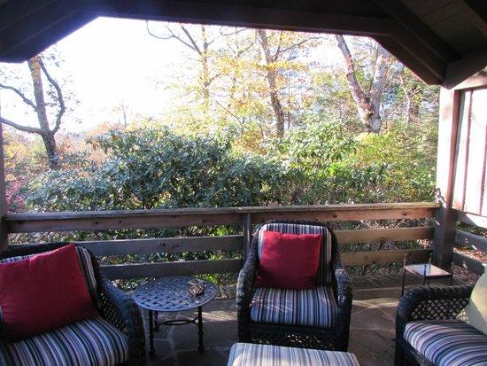 Gideon Ridge Inn: Private porch off of room