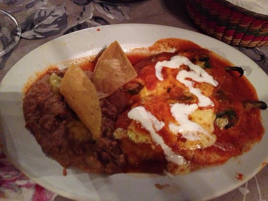 Cafe de Olla: Chili rellenos.