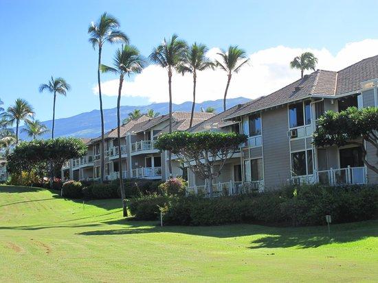 Wailea Grand Champions Villas: Grand Champion Villas and Mt. Haleakala views from golf course