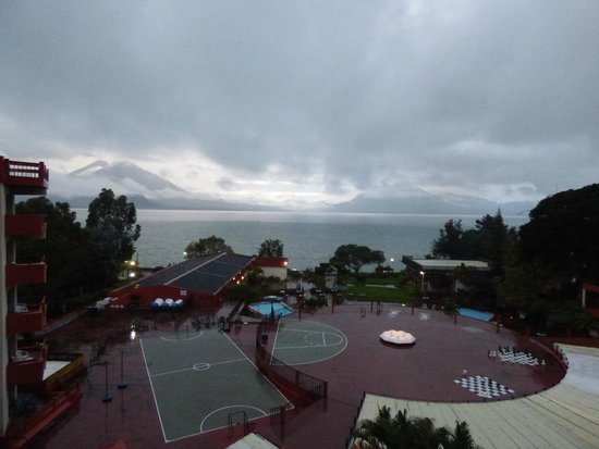 Porta Hotel Del Lago: Vista desde las habitaciones superiores