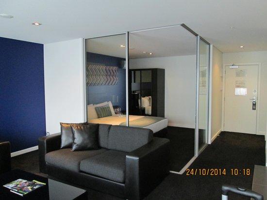 Waldorf Stadium Apartments Hotel : Bedroom