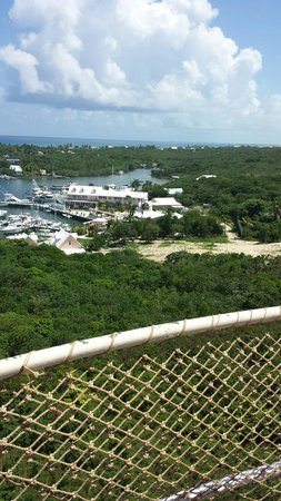 Hope Town Inn & Marina: View from the lighthouse looking down at Hopetown Inn and Marina