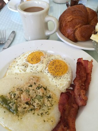 Creole Gardens Guesthouse Bed & Breakfast: Our breakfast one morning!!!