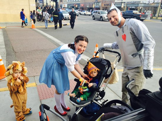 Downtown Bozeman : We're Off To See The Wizard on Halloween!