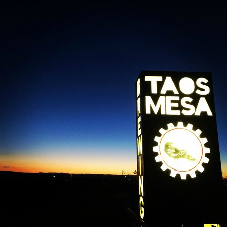 taos mesa brewing sign off of highway 64