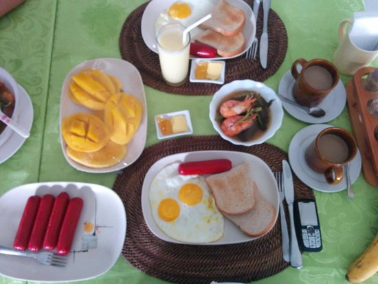 Turtle Inn Resort: affordable breakfast.. tnk ate malen and all the friendly staff u have!!