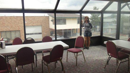 Mountain Side Inn: Salão para o café da manhã situado no 2º andar do prédio da recepção