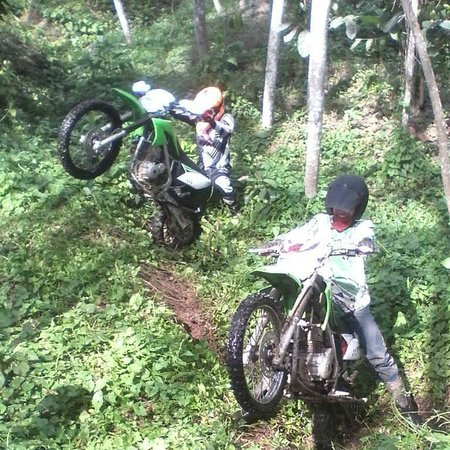 Mengwi, Indonesia: Wild KLX 150 L bore up