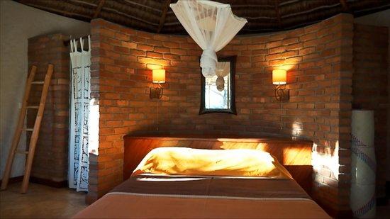 Intérieur bungalow petite Suite Safari Vezo - Picture of Hotel ...