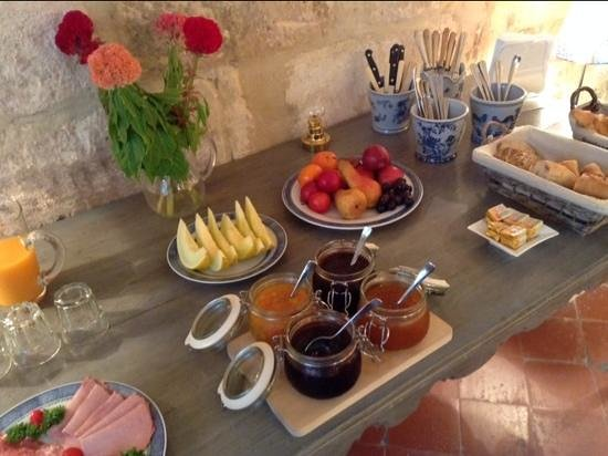 Maison Saint Remy d'Isidore: delicious breakfasts in a cosy ambience