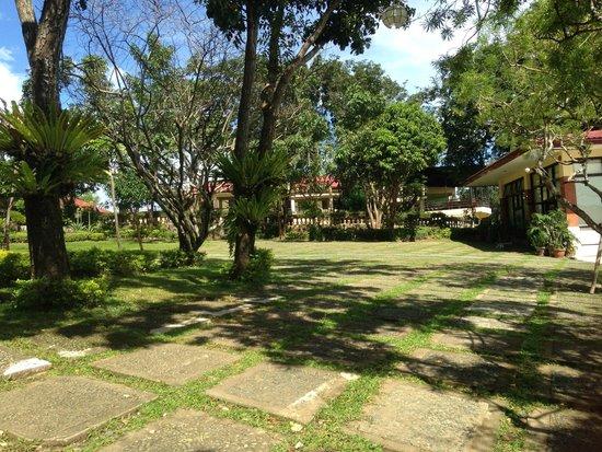 Punta de Fabian: Grounds