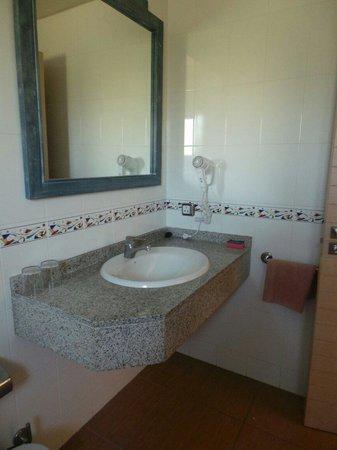 Cabau Aquasol: The bathroom