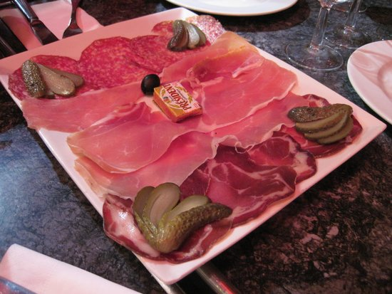 Alfio deli meat platter to start our meal.