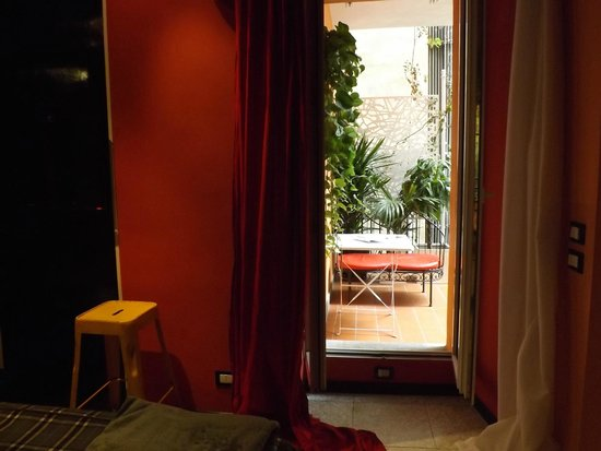 MarcoAurelio49 Apartments - Colosseo: Terrasse donnant sur la chambre