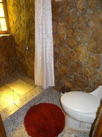 Hostal Masairi: banheiro