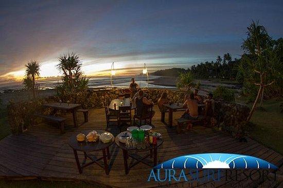 Aura Surf Resort : bbq deck