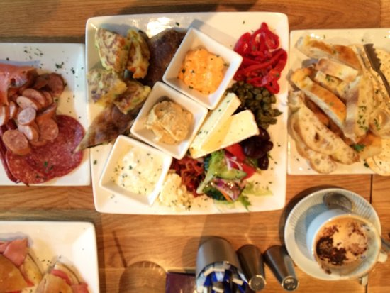 Eludae: Scrumptious platter for two and toasted focaccia lunch