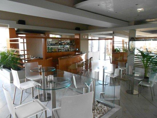 Palace Hotel Bomo Club: Bar