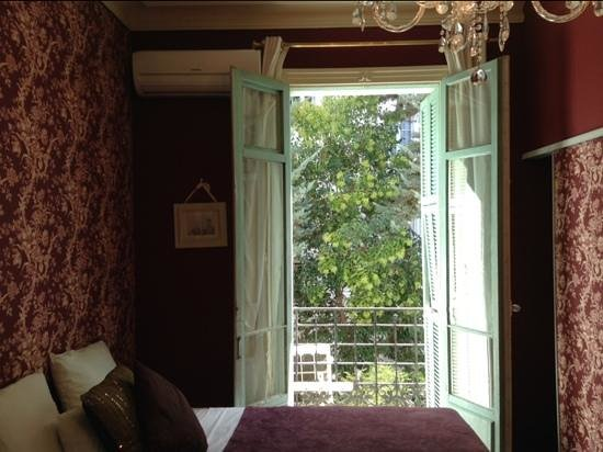 Hotel Villa Rivoli: our room looked out onto the garden and was blissfully quiet
