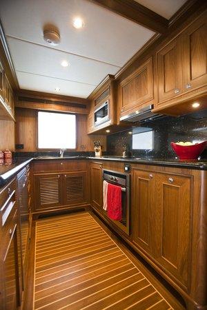 Aroona Luxury Boat Charters - Day Cruise: Aroona Galley