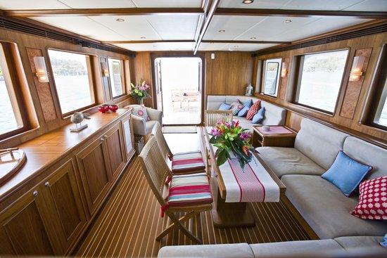 Aroona Luxury Boat Charters - Day Cruise: Aroona Galley / living