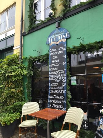 Heering Restaurant and Bistro: Outside