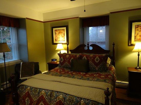 Inn On Carleton : Bedroom