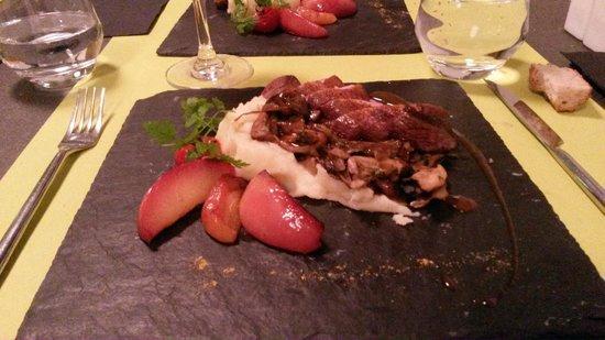 Ciboule et Ciboulette: Magret de canard aux deux pommes
