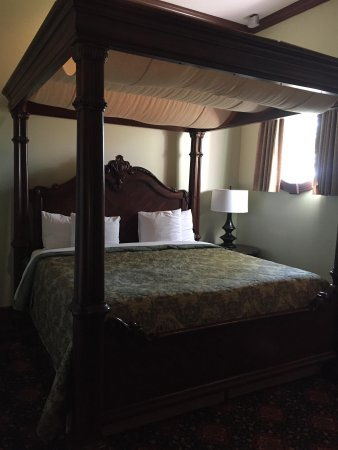 Chateau Avalon Hotel & Spa : Massage bed - so comfy!