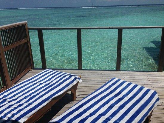 jacuzzi water villa bild von meeru island resort spa. Black Bedroom Furniture Sets. Home Design Ideas