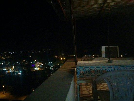 Hotel Temple View : 夜は夜景が素敵です!