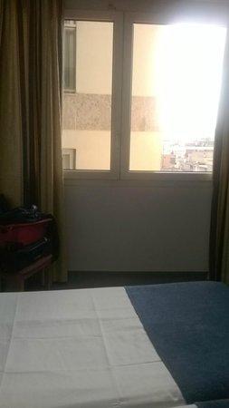 Hotel Marsol: bedroom window