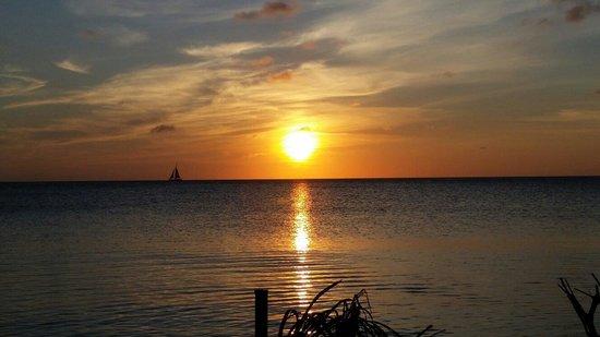 Beach House Aruba Apartments: Sunset from the beach house. Memorable