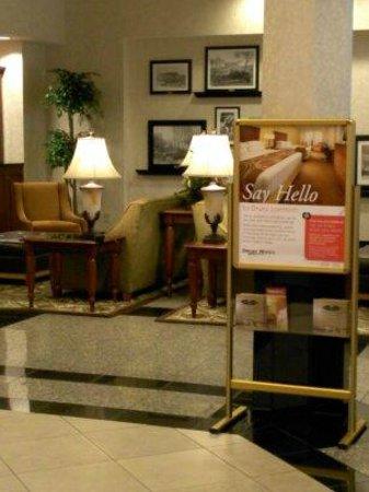Drury Inn & Suites Birmingham SE: Hotel lobby