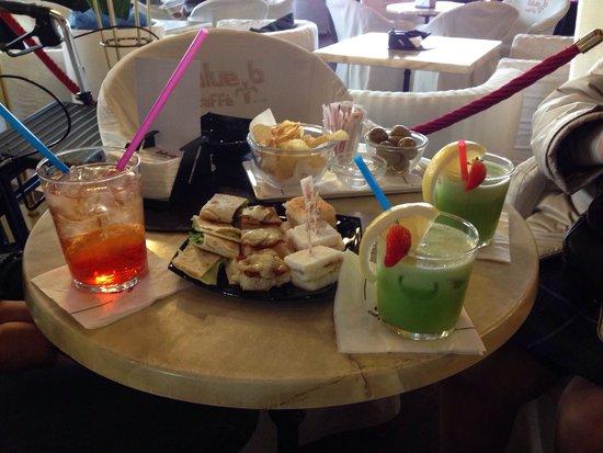 Blue Bar Cafe