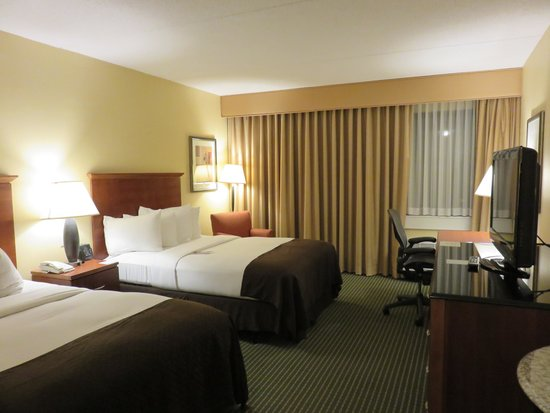 Doubletree Hotel Boston/Westborough: Spacious Room