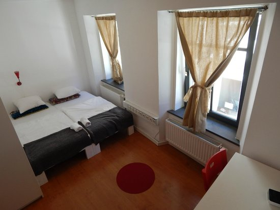 Cukrarna Hostel Kranj: Triple room with shared bathroom