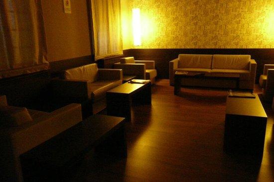 Hotel Casa Rosalia: Otra sala de tertulia