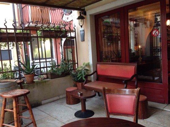 Enjoy Pub Lazise: clima tranquillo
