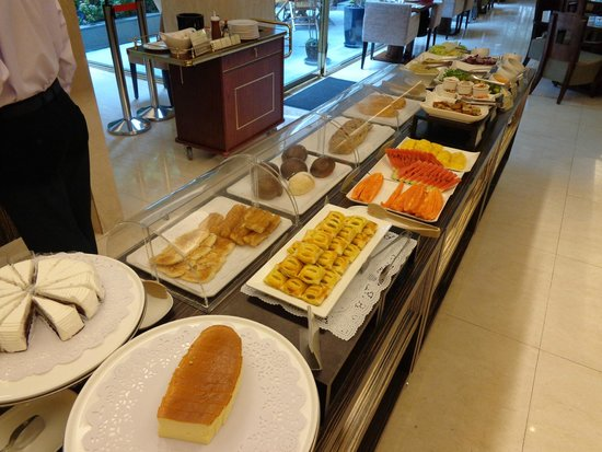 Royal Biz Taipei: Breakfast