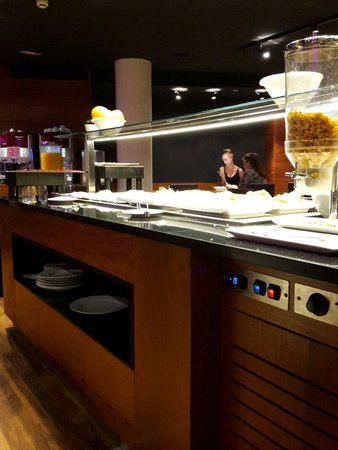 Hotel Exe Moncloa: Sala colazione