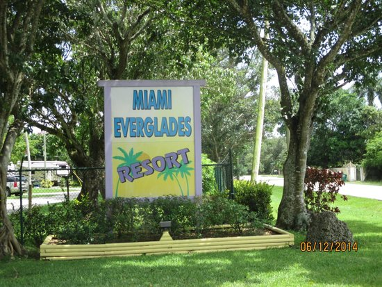 Miami Everglades Resort: entrance to the park