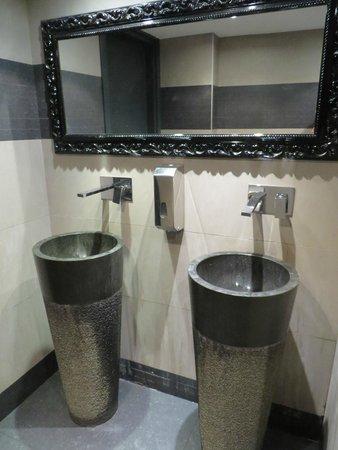 moderne Toilette - Bild von La Villa d\'Este, Nizza - TripAdvisor