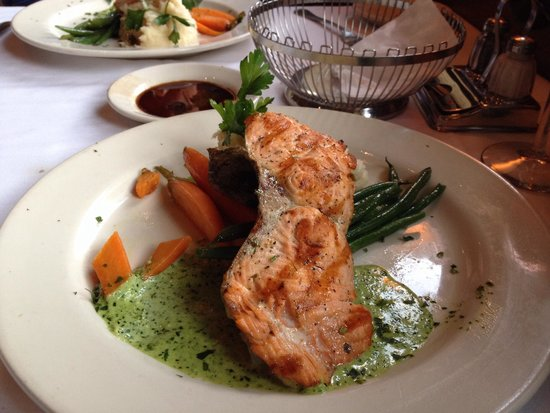 Il Fornaio: The grilled Wild Alaskan Salmon