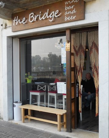 ‪The Bridge - wine bar & beer‬